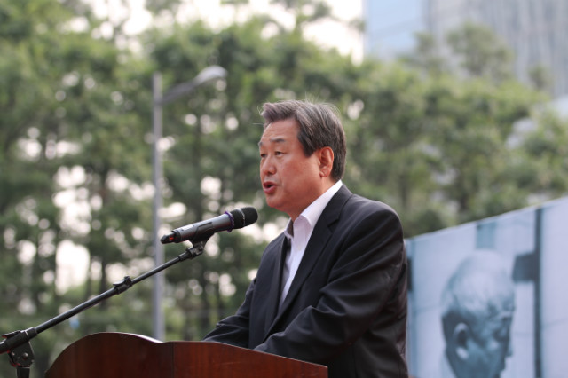 ▲새누리당 김무성 대표가 축사를 전하고 있다. ⓒ크리스천월드