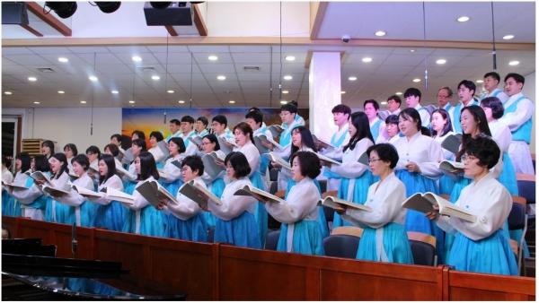 △세광중앙교회 새빛성가대는 2019년 새해의 시작을 찬양으로 하나님께 영광 돌렸다.